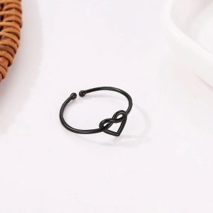 black-heart-ring